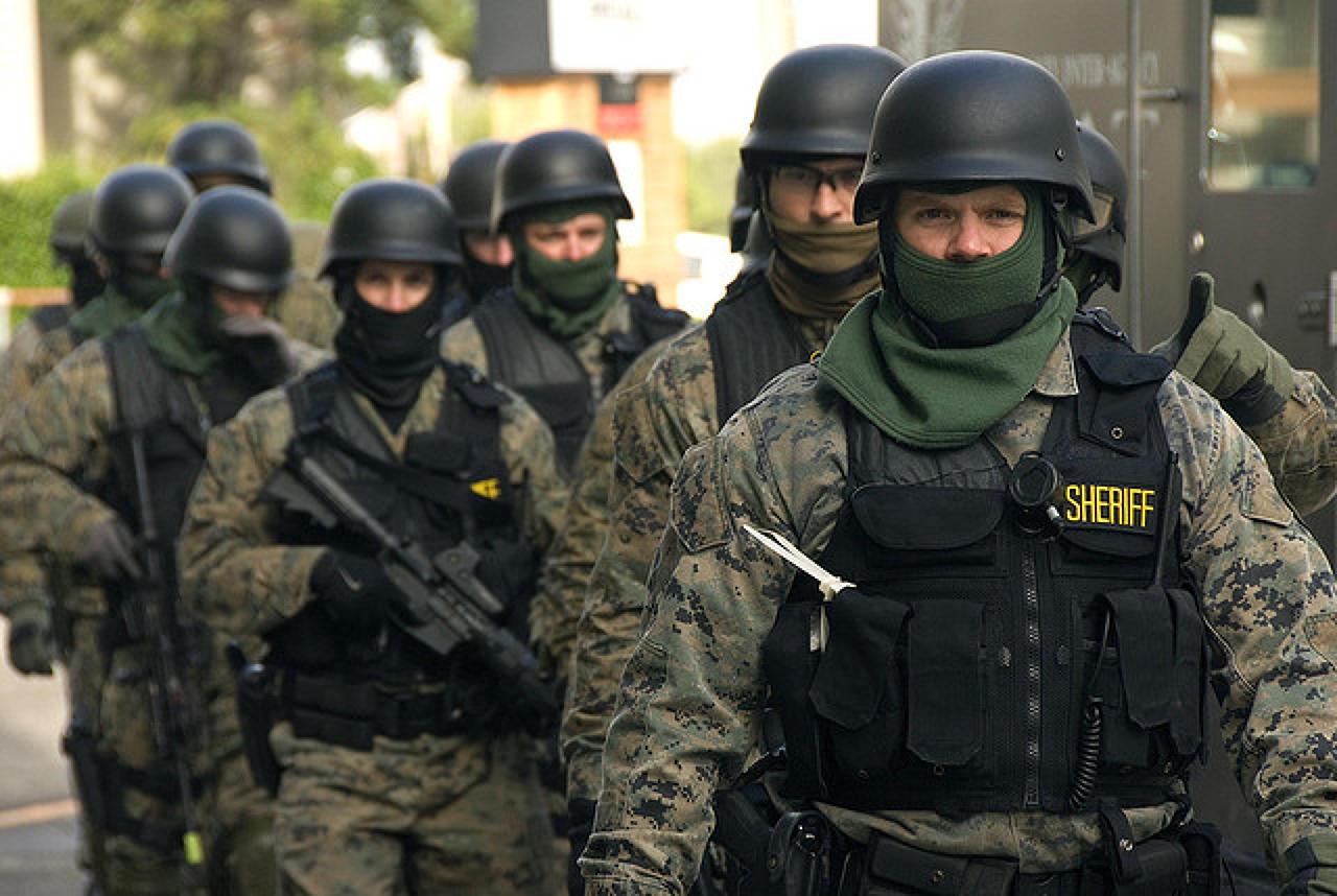 Photo of Cum sa castigi un meci de CS trimitand politia peste competitie!