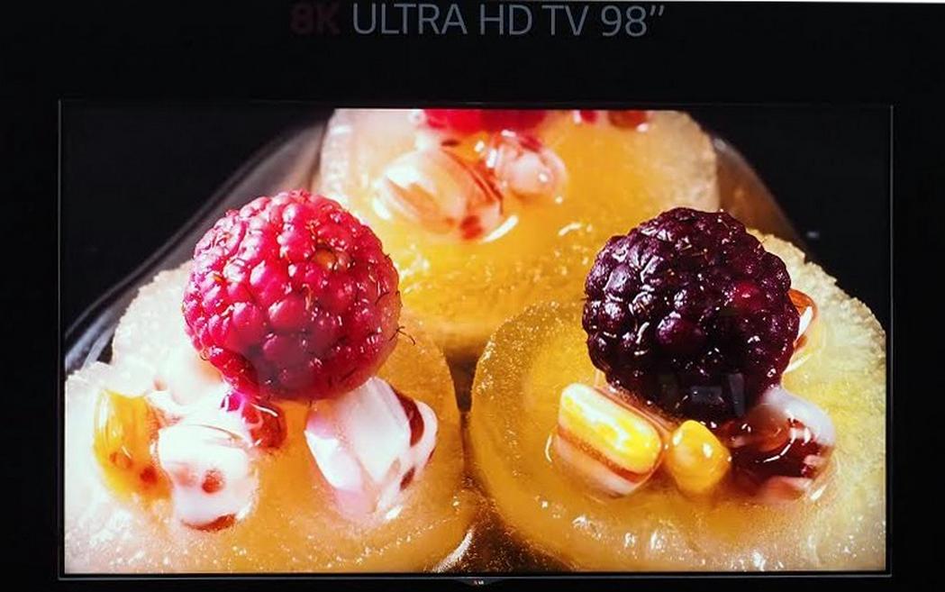 Photo of LG a prezentat la IFA un televizor de 98 de inch…8K!