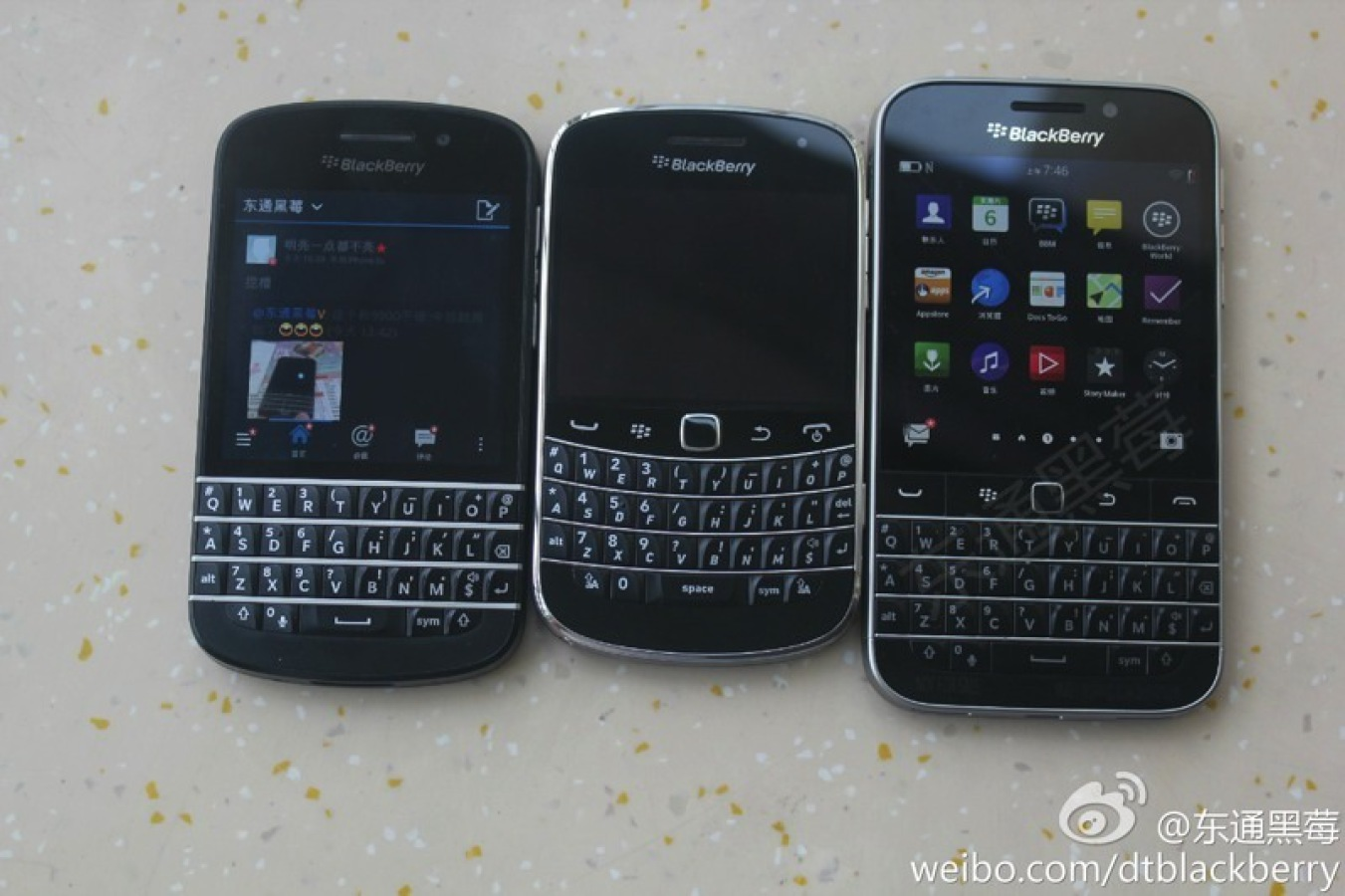 "Photo of BlackBerry ii explica lui Apple ce inseamna ""neutralitatea Internetului"""