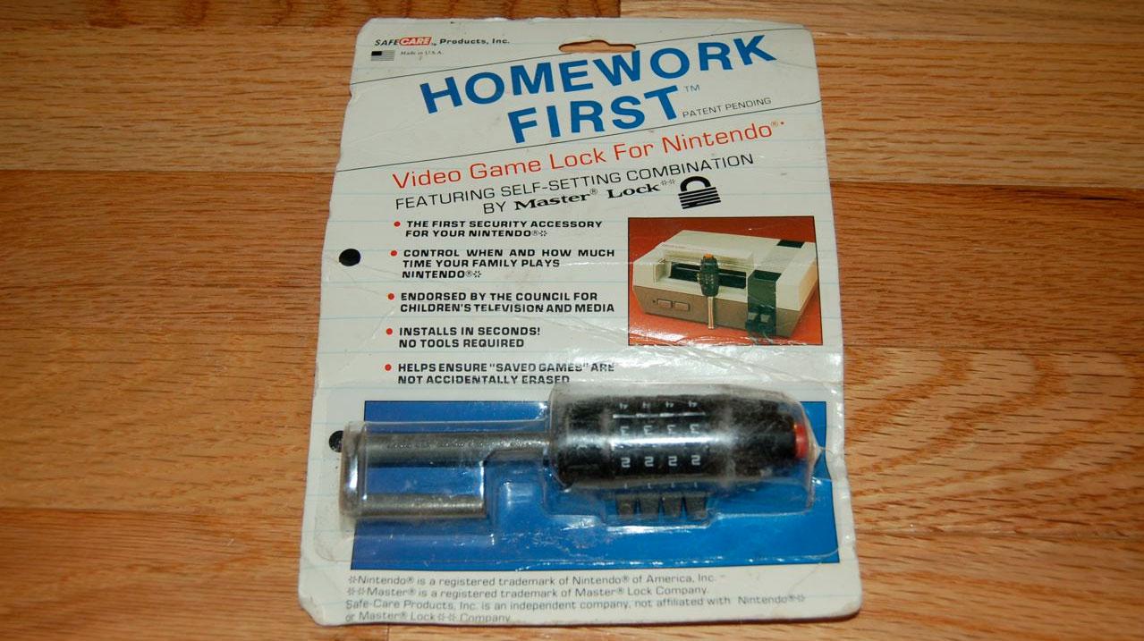 Photo of Cum arata un Parental Lock fizic pentru consolele anilor 80