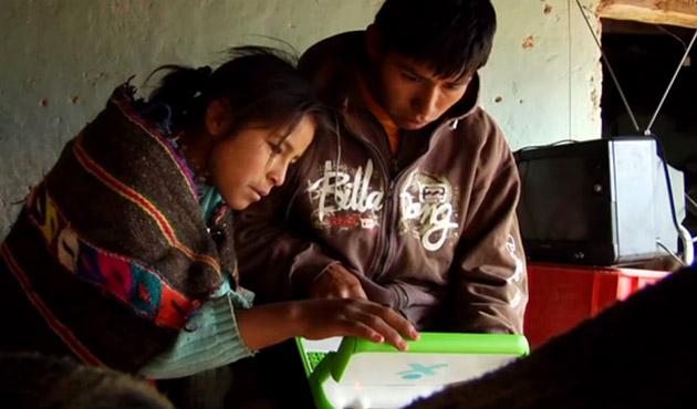 """Photo of Programul """"Un laptop pentru fiecare copil"""" nu a fost un esec!"""