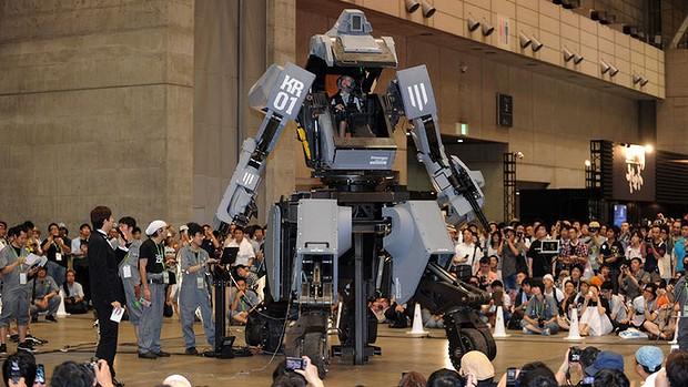 """Photo of Robotii viitorului sunt deja aici: uriasul Kuratas poate fi al tau pentru """"doar"""" 1,35 milioane de dolari!"""