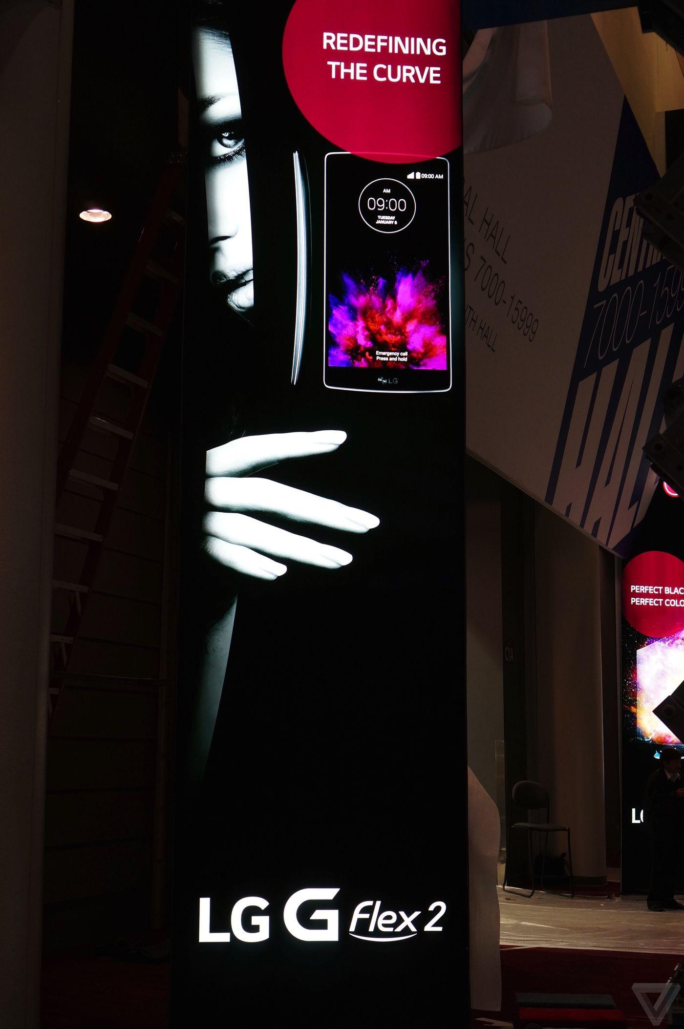 "Photo of ""Curbat"" pare sa fie cuvantul de ordine la CES 2015: LG lanseaza GFlex 2"
