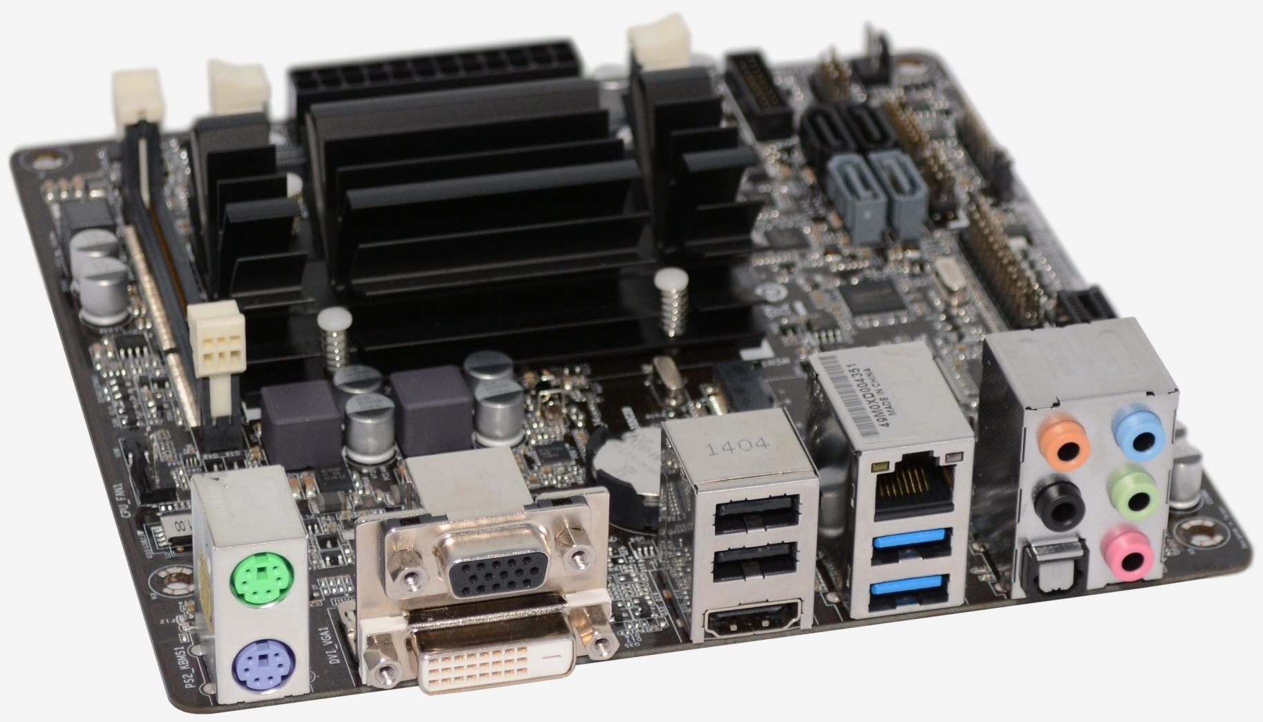 "Photo of Review: Asrock Q2900-ITX, un HTPC mic ""la stat"" si… mic la pret!"