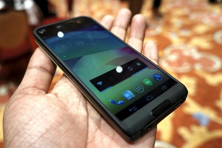 Photo of Saygus le cere bani clientilor pentru un telefon… care nu are inca data de lansare