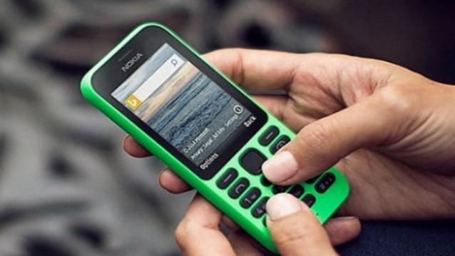 "Photo of Nokia 215 Dual Sim, o noua ""incercare"" Microsoft pe segmentul low-end"