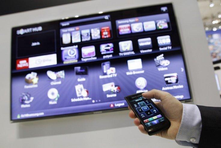 """Photo of Mult zgomot pentru nimic: Televizorul """"dastept"""" de la Samsung care cica trage cu urechea la secretele tale!"""