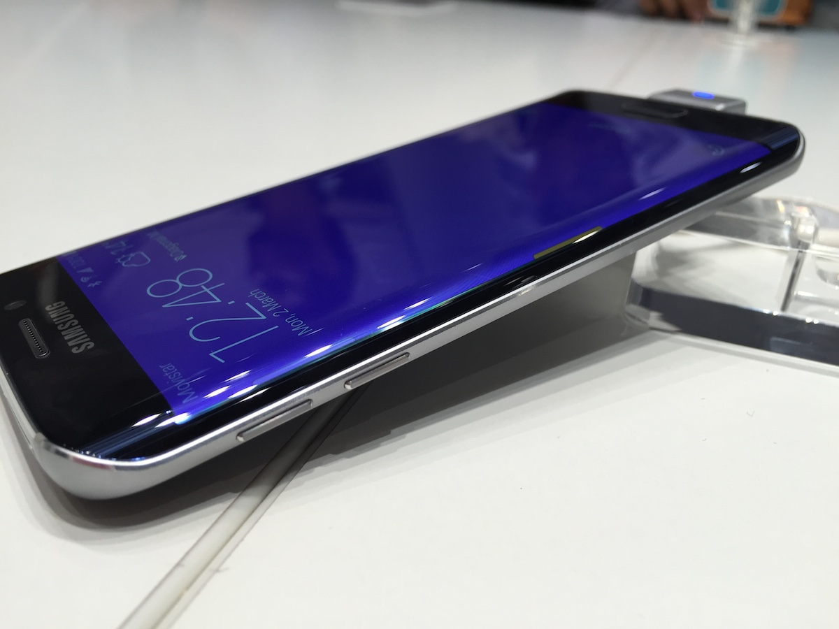 Photo of Samsung Galaxy S6&Edge HANDS-ON!