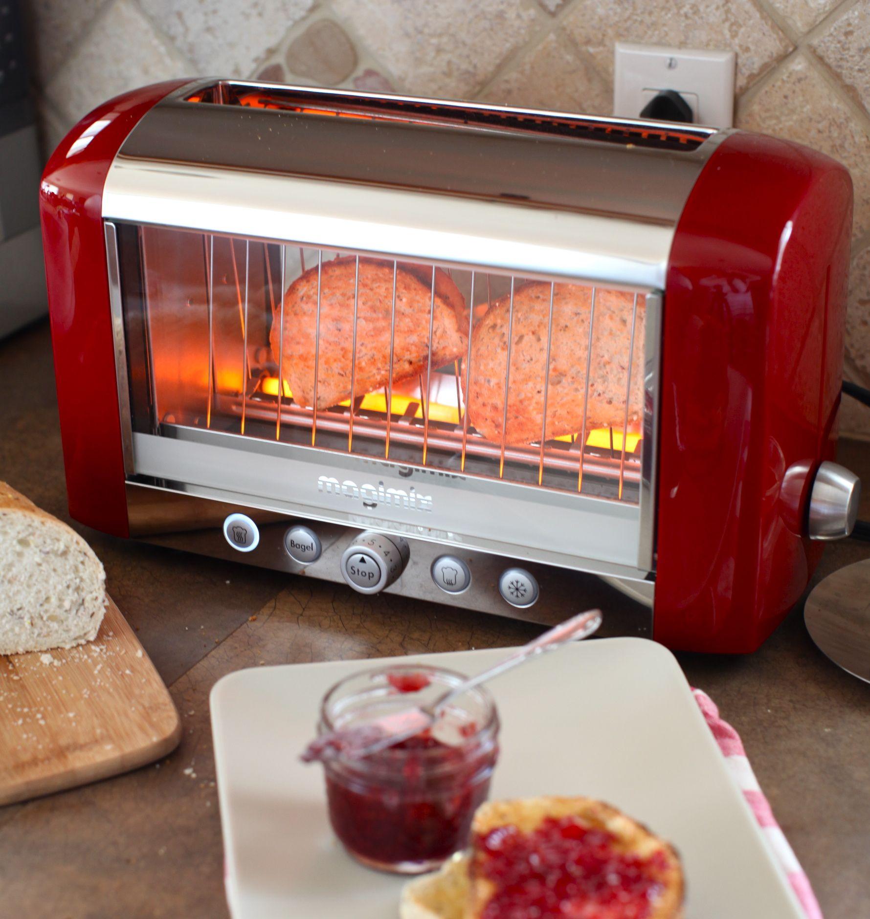 Photo of Gata cu painea arsa! Cumparati un prajitor de paine transparent!