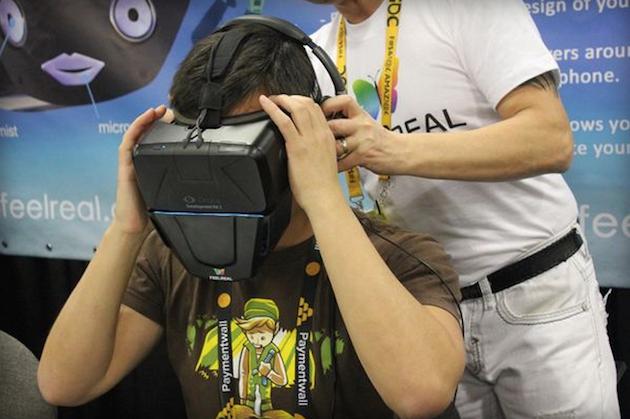 """Photo of Casca VR care """"reda"""" si mirosurile arata… oribil!"""