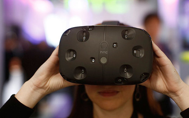 Photo of HTC Vive, cel mai bun gadget cu realitate virtuala!