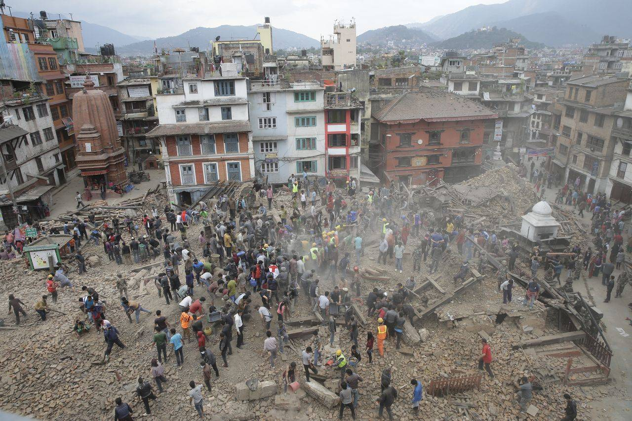 Photo of Suprevietuitori gasiti de… Google si Facebook dupa cutremurul din Nepal