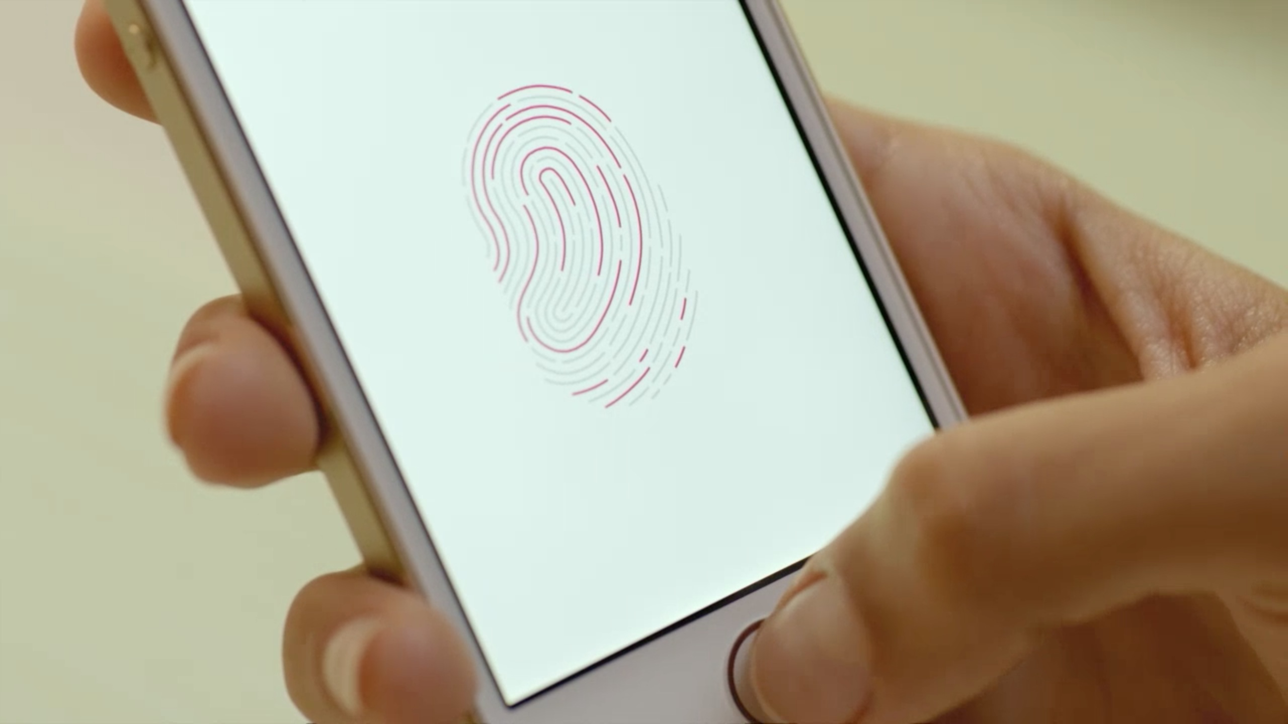 Photo of iOS 8.3 strică Touch ID-ul