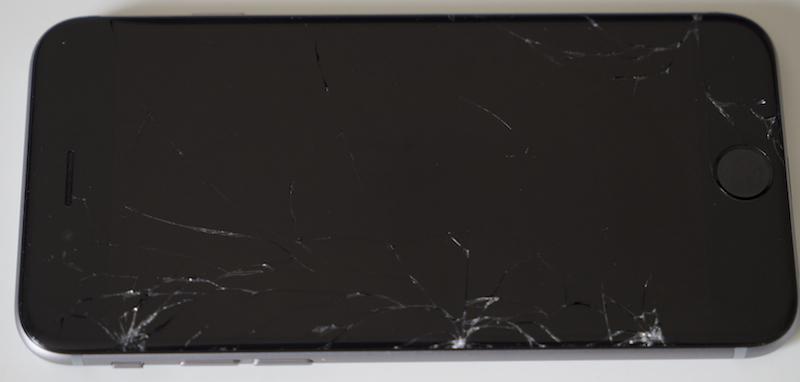 Photo of Ecranul lui iPhone 6 se face fărâme dacă pică de la… 30cm înălțime!