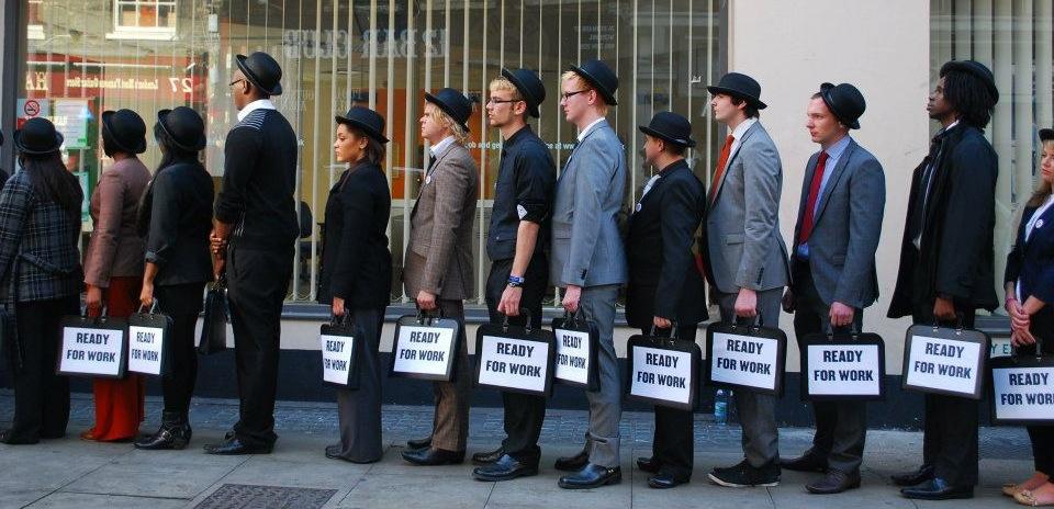 Prea mult tineret in corporatiile mari