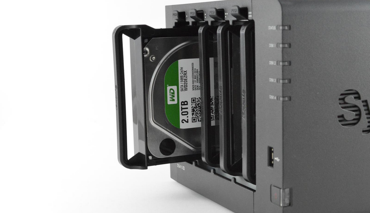 Photo of Review NAS Synology DS415+ – Stocare… de stocare!