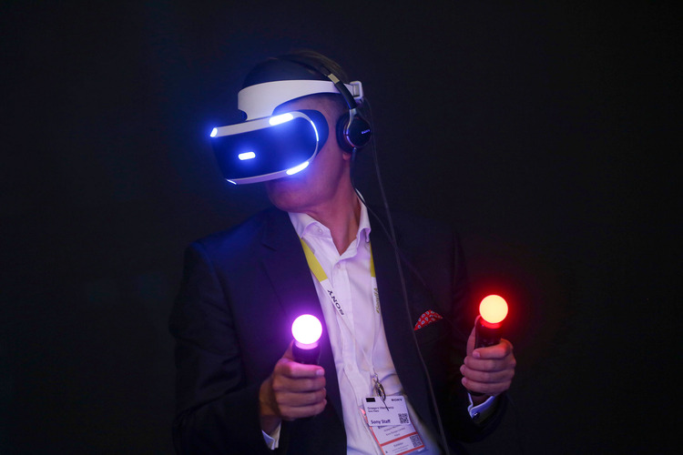 Photo of Sony au ceva probleme cu precomenzile PlayStation VR
