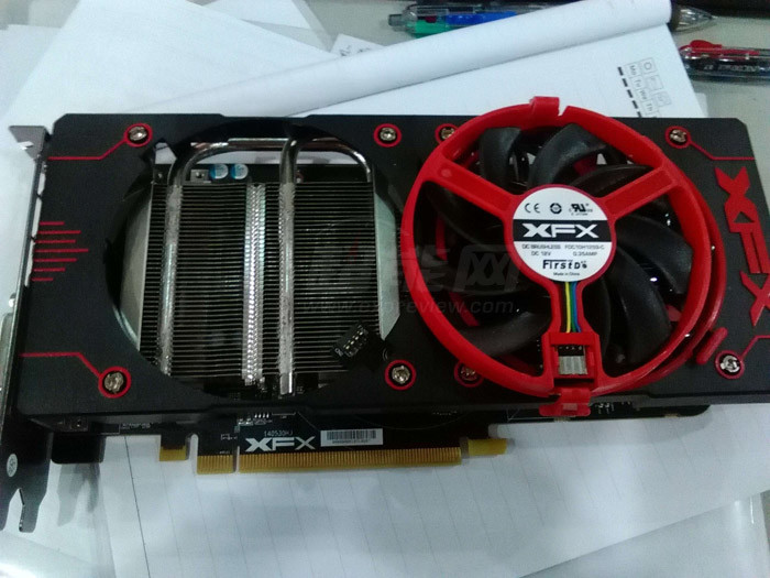 Photo of Radeon R9 380X a fost zărit