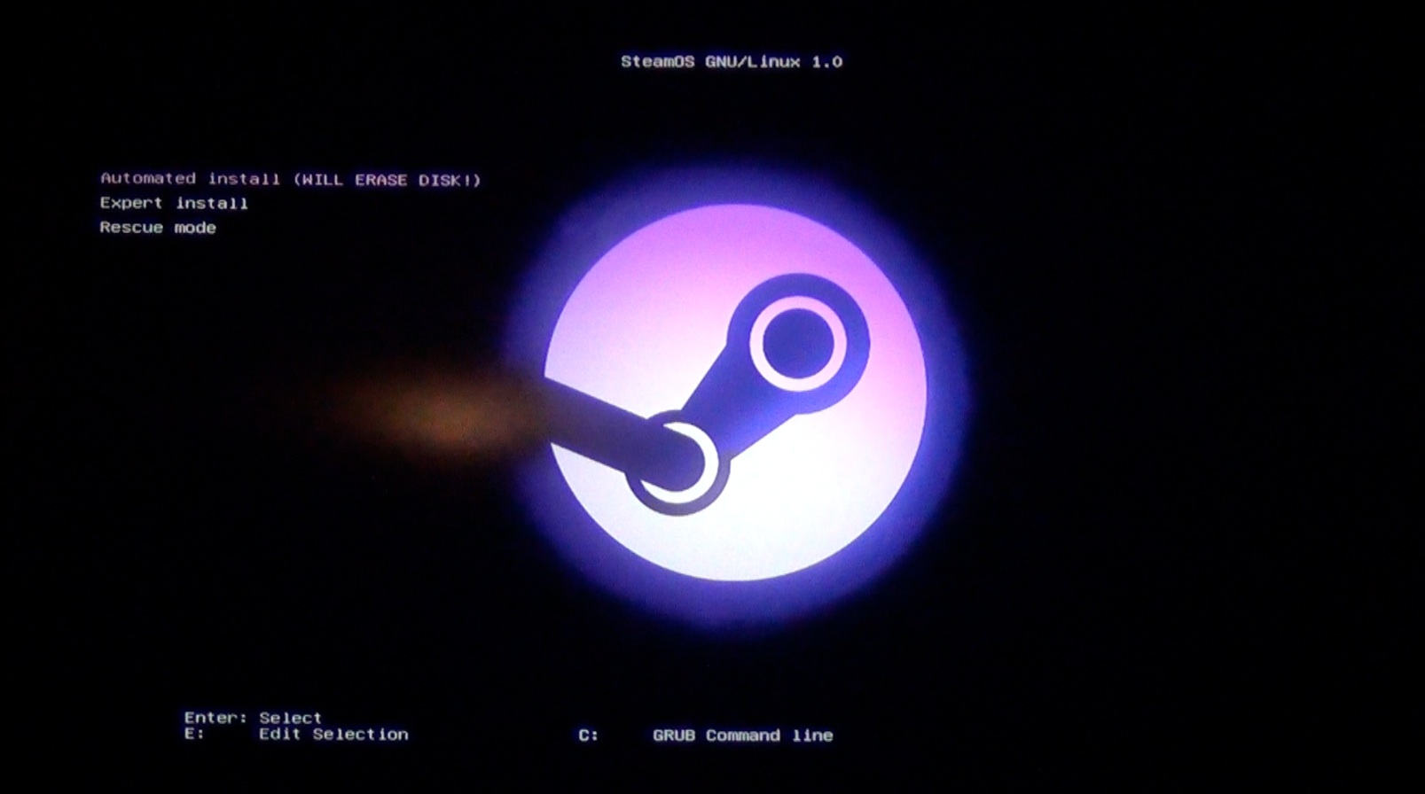 Photo of Steam Play ar putea permite jocurilor de Windows să meargă pe Linux