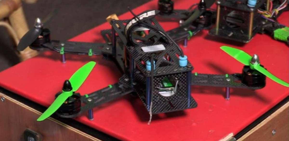 Photo of Nu cumparati drone ieftine pentru copii