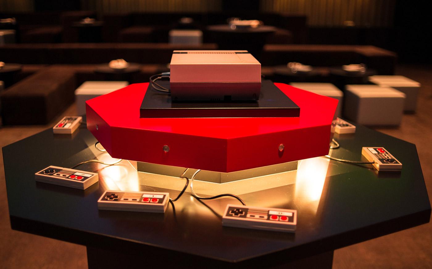 Photo of Un NES cu 8 proiectoare si 8 jucatori