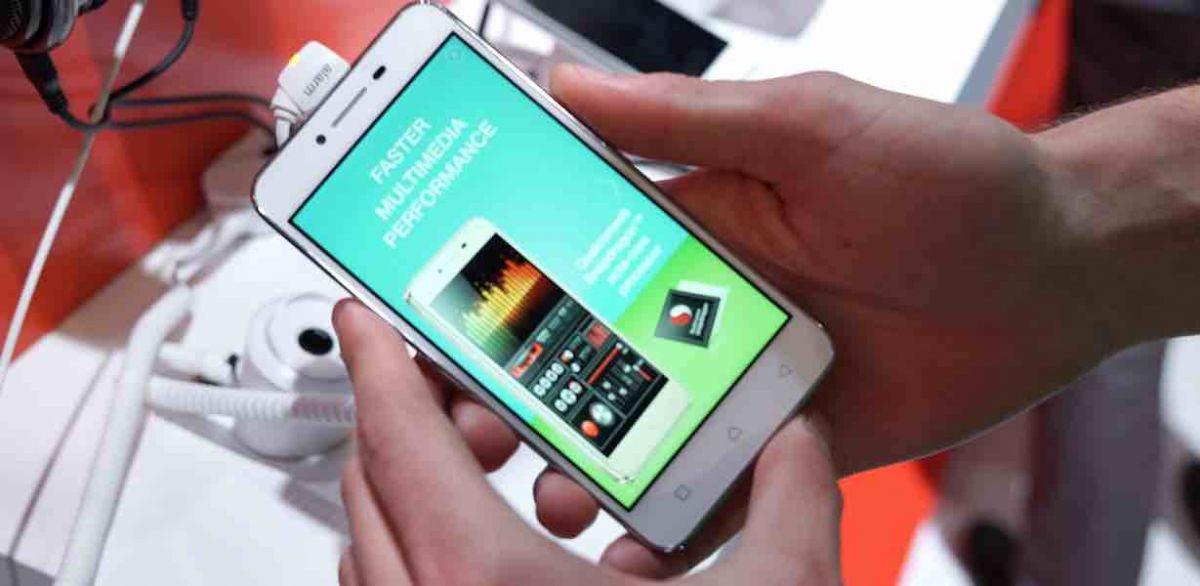 La MWC 2016, Lenovo au lansat Vibe K5 si Vibe K5 Plus