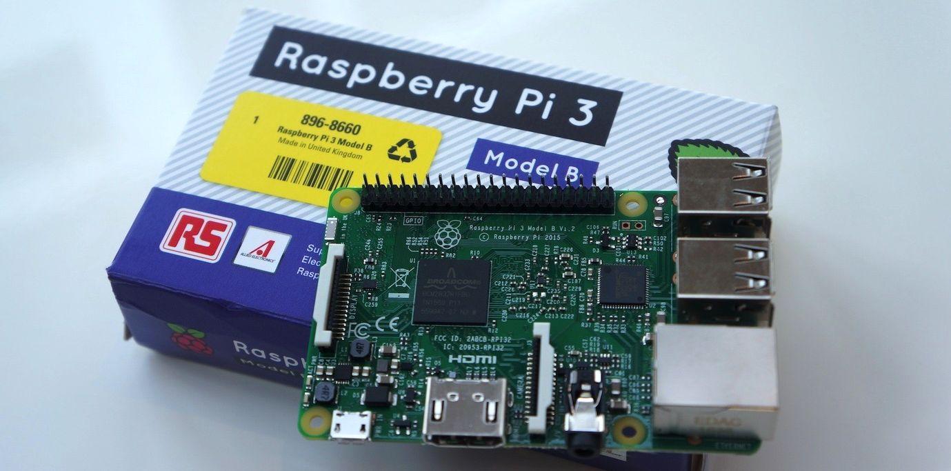 Photo of Raspberry Pi 3 trece la 64 de biti si costa doar 35 de dolari