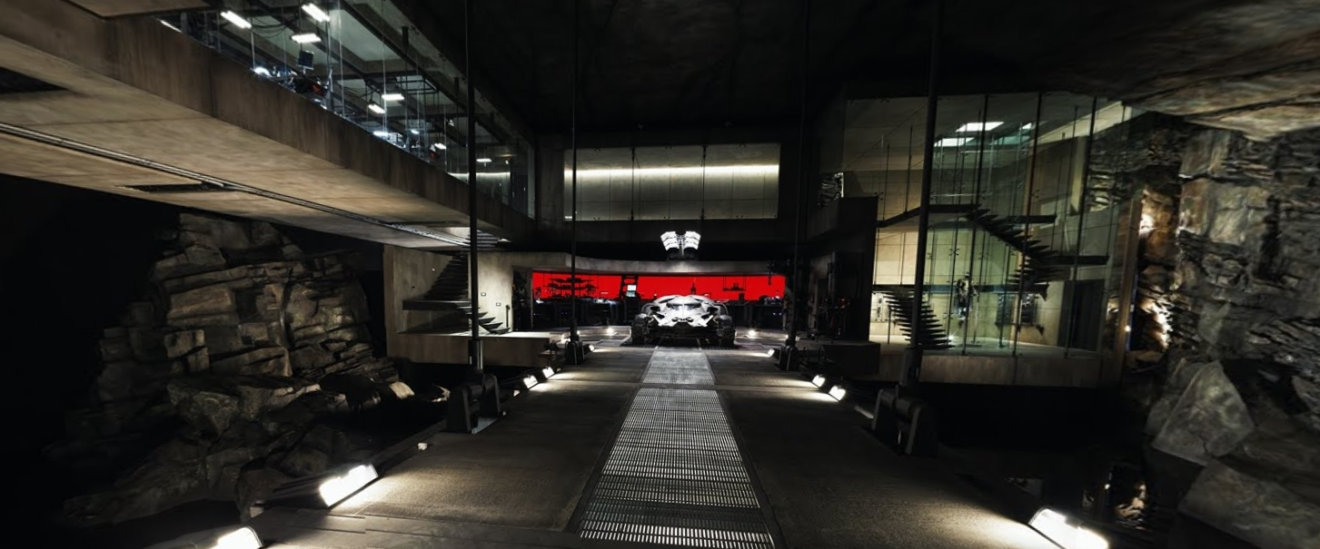 Photo of Google te lasa sa explorezi BatCave-ul din Batman v Superman