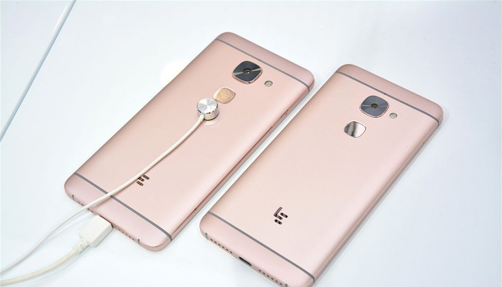 Photo of LeEco bate Apple, lanseaza telefoane fara jack audio
