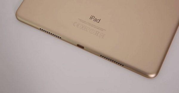 iPad Pro 9.7 - difuzoarele din partea inferioara