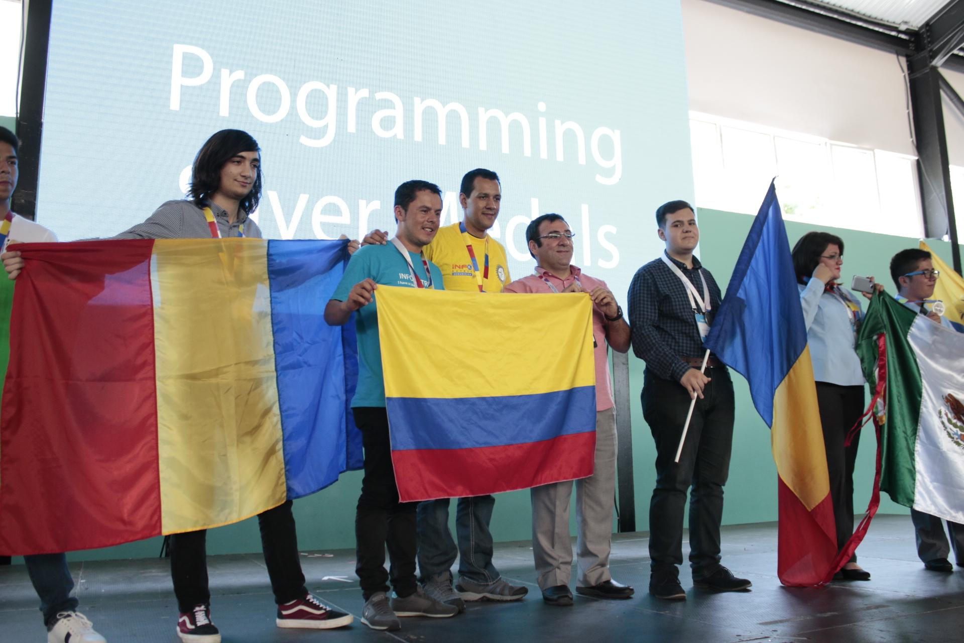 Photo of Elevii din Romania castiga 64 de medalii la competitia de proiecte IT Infomatrix 2016