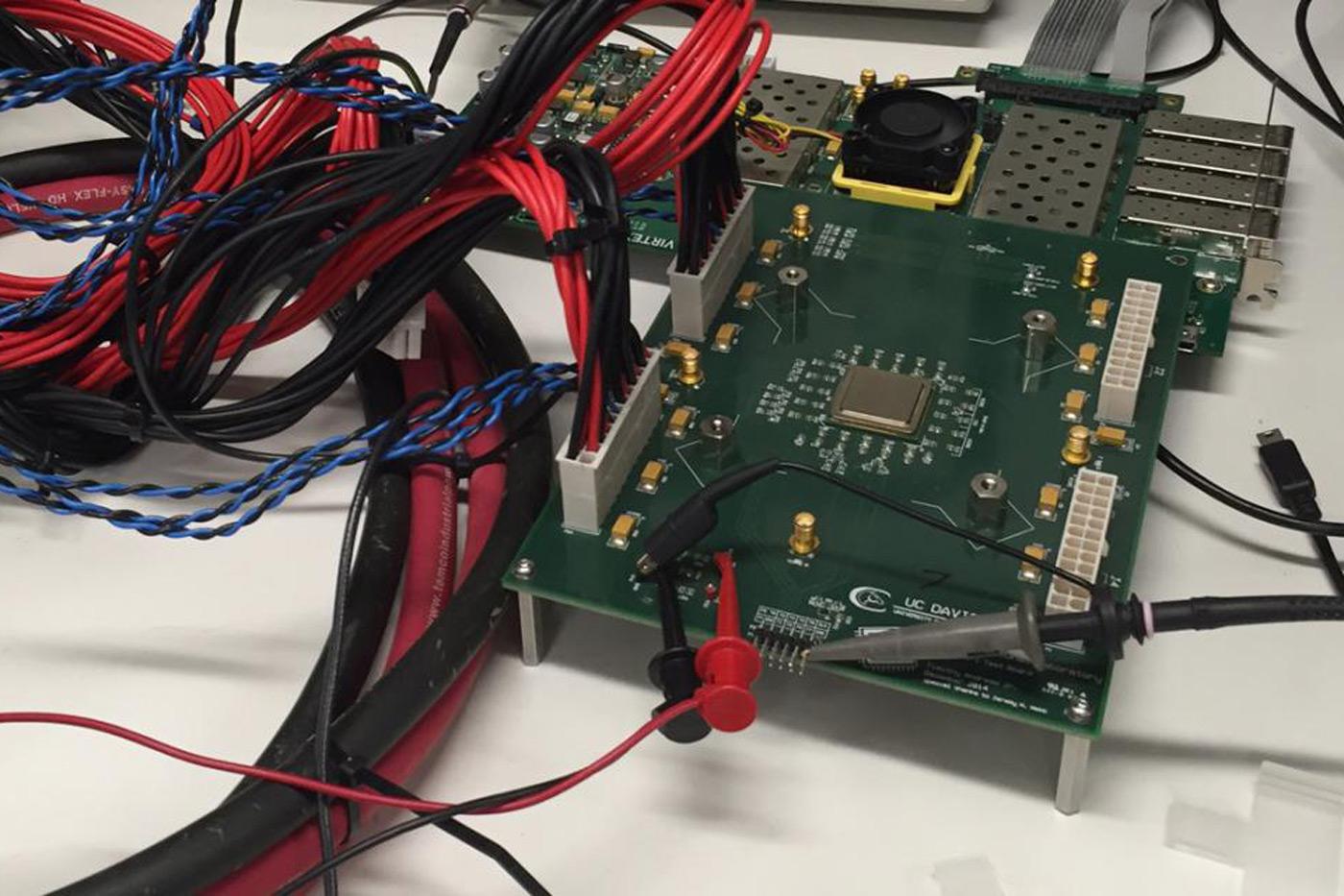 Photo of KiloCore, primul procesor cu 1000 de nuclee din lume