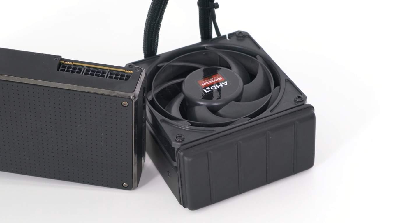 Review AMD Radeon ProDuo vs GTX Titan X vs GTX 1080 - Sistemul de racire lichida