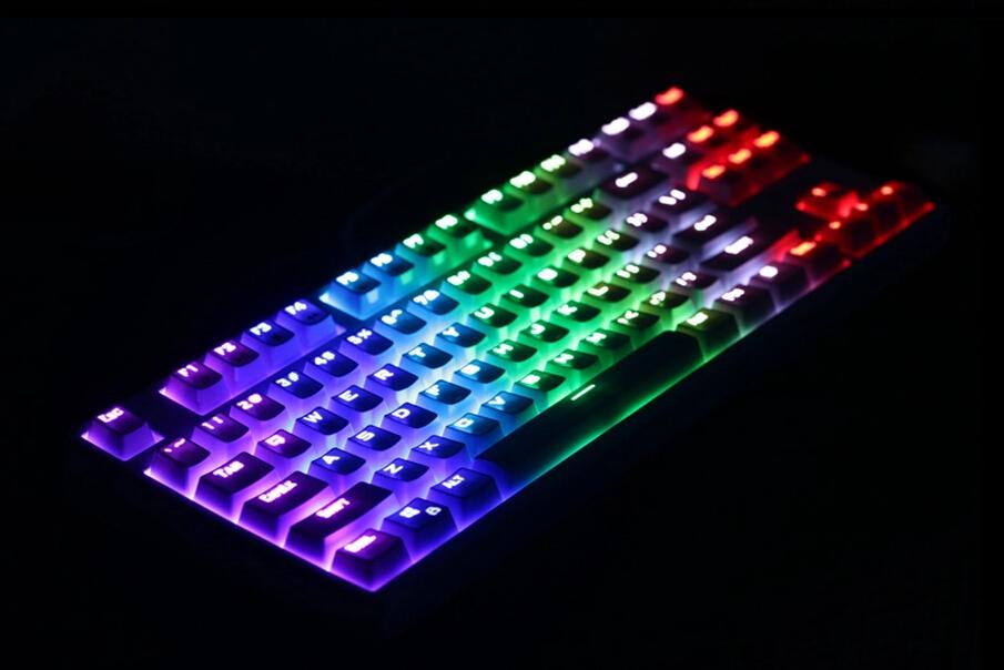 Photo of Cinci tastaturi recomandate pentru CS GO