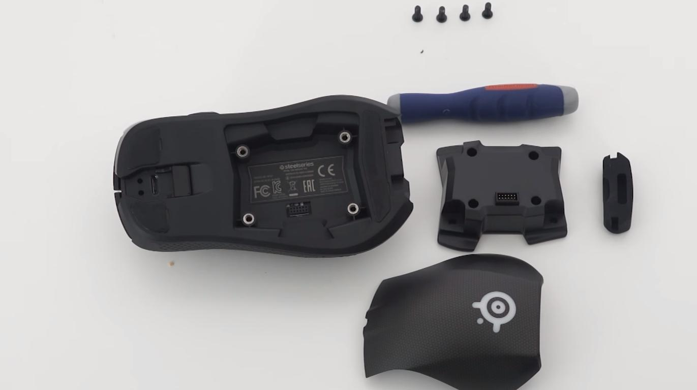 Review SteelSeries Rival 700 04
