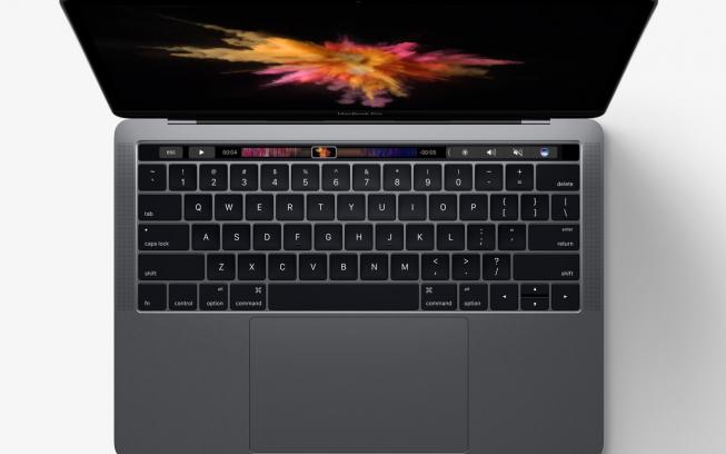 MacBook Pro poate rula Doom    pe Touch bar