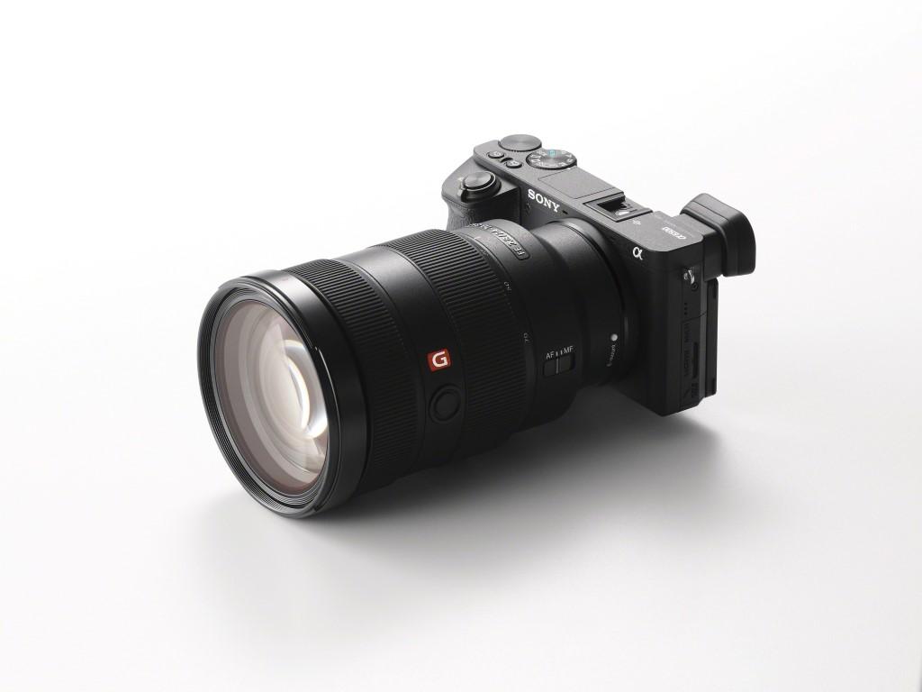 Photo of Sony lansează noua cameră foto α6500 cu capabilități de panoramare