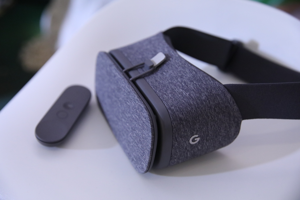 Photo of Google Daydream View este o cască de VR de 80 de dolari