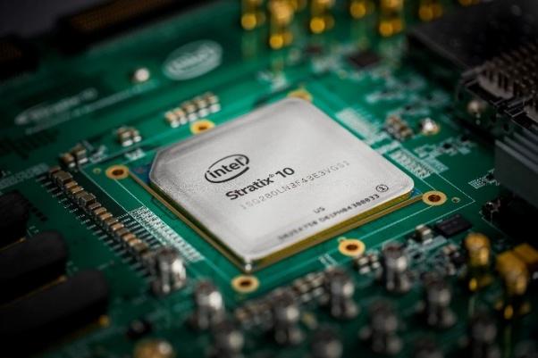Photo of Intel lansează un procesor cu HBM2 și câteva nuclee ARM