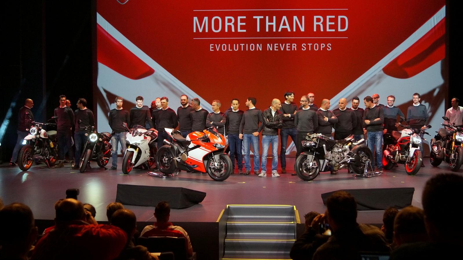 Photo of Premierele Ducati de la salonul EICMA 2016 – prima privire de aproape la rezoluție 4K