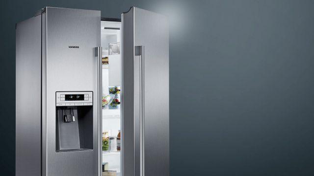 Photo of Frigiderul IQ700 side-by-side de la Siemens iti supravegheaza alimentele cu ajutorul camerei video incorporate.