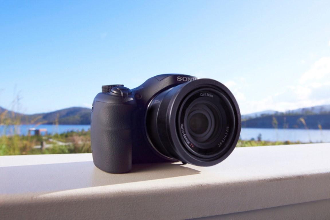 Photo of Sony lansează în România camera foto compactă Cyber-shot HX350, cu zoom optic 50x