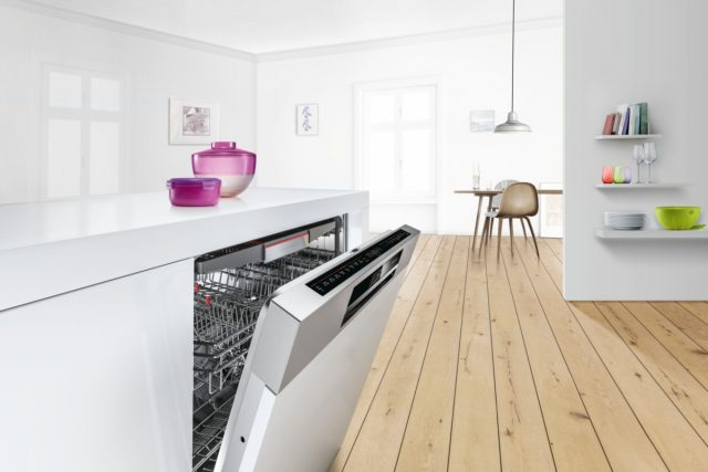 Masinile de spalat vase Bosch cu tehnologia PerfectDry ofera rezultate sclipitoare