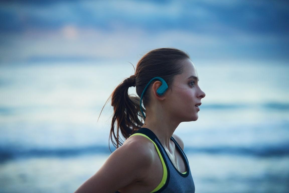 Photo of Sony lansează noul Walkman rezistent la apă WS620, cu tehnologie Bluetooth