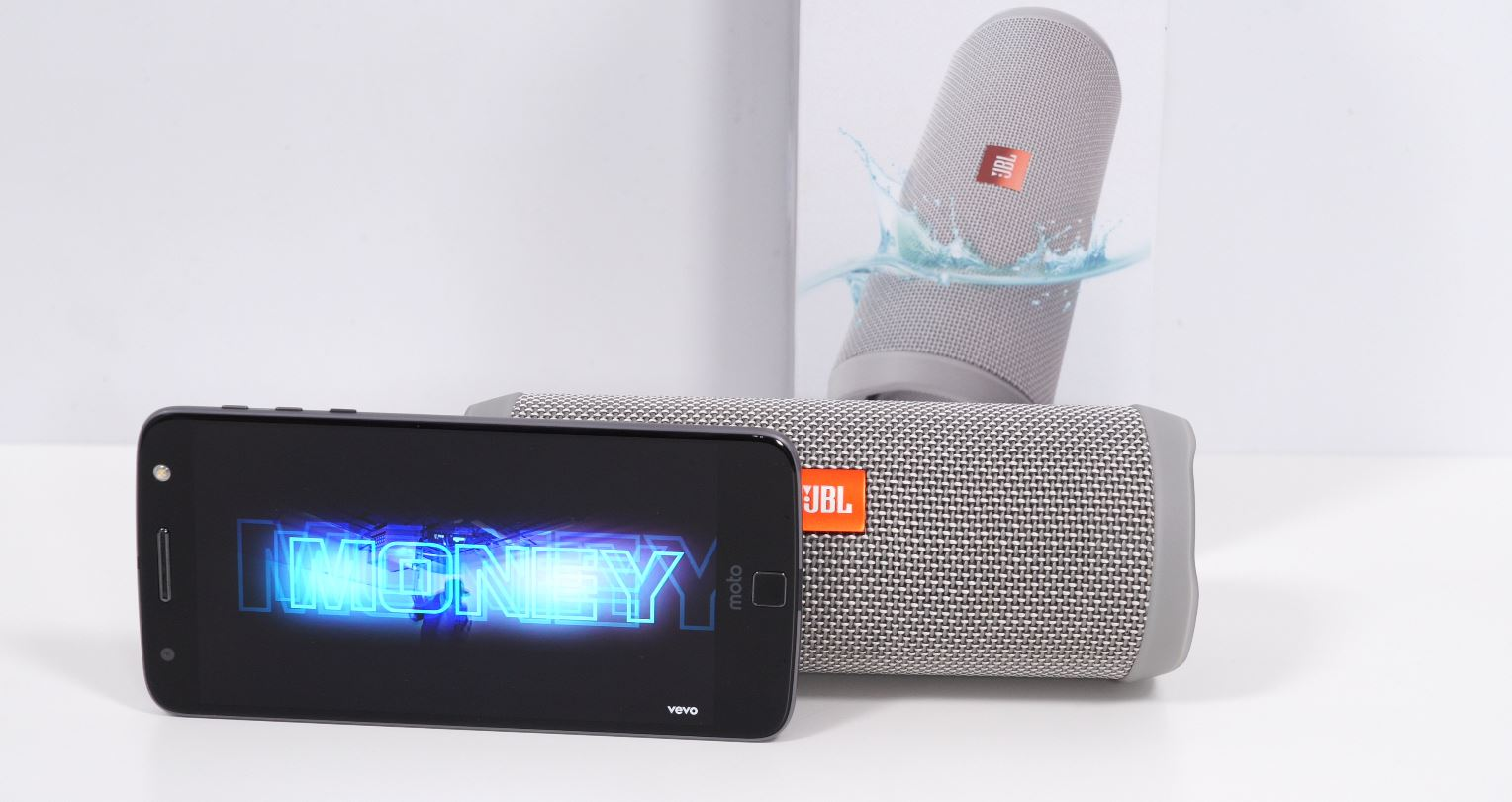 Photo of Review JBL Flip 4 – O boxa mica, rezistenta sub apa!