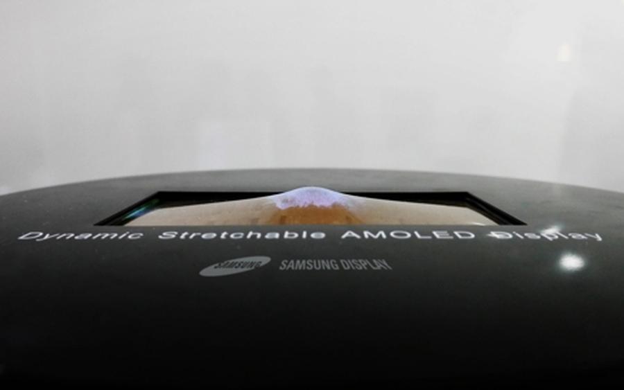 Photo of Samsung va prezenta un ecran OLED care poate fi întins