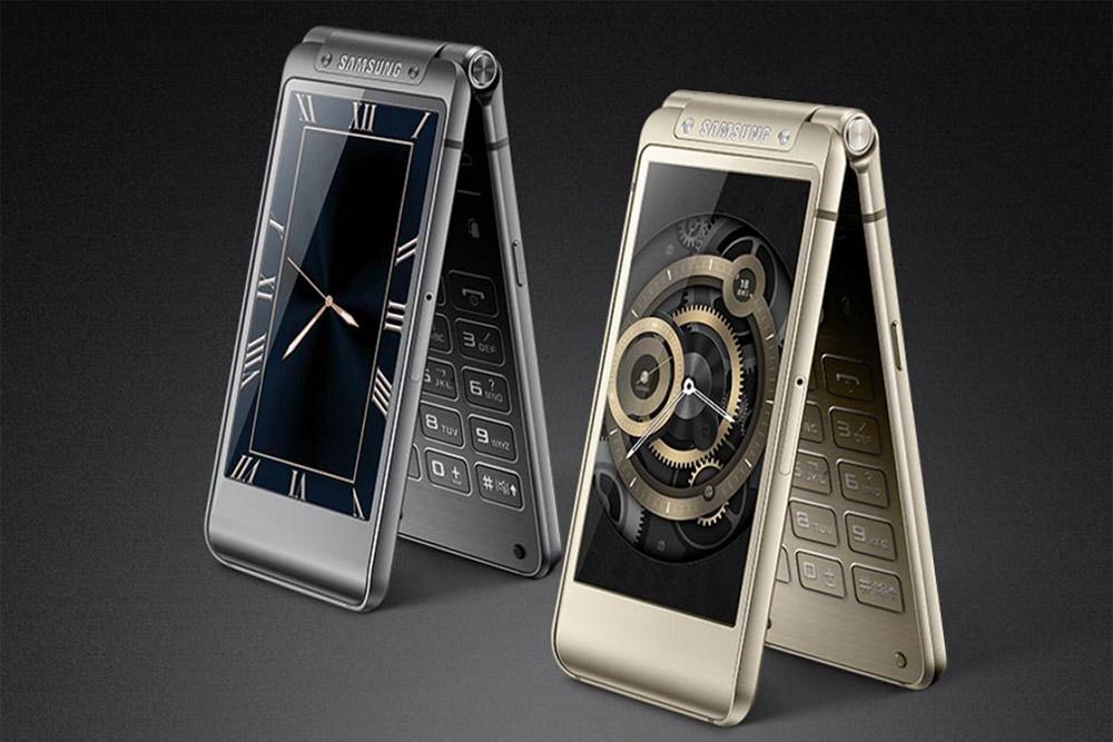 Photo of Samsung pregătește un telefon cu clapetă de 2000 de dolari