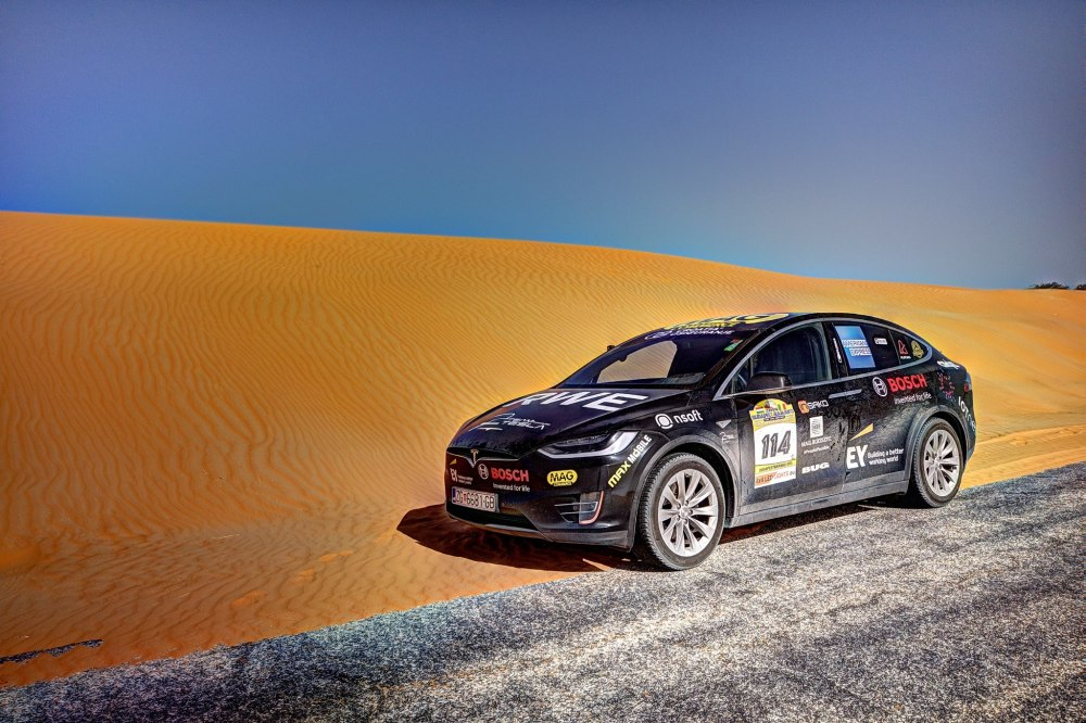 Photo of Tesla Model X a traversat Sahara!