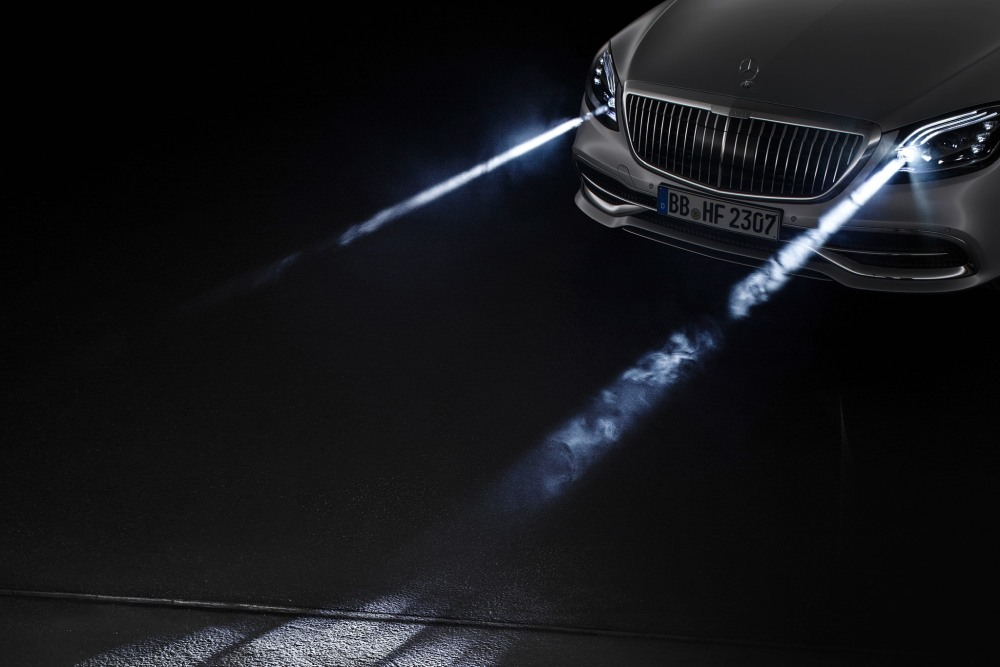 Photo of Farurile noului Maybach proiectează imagini pe șosea