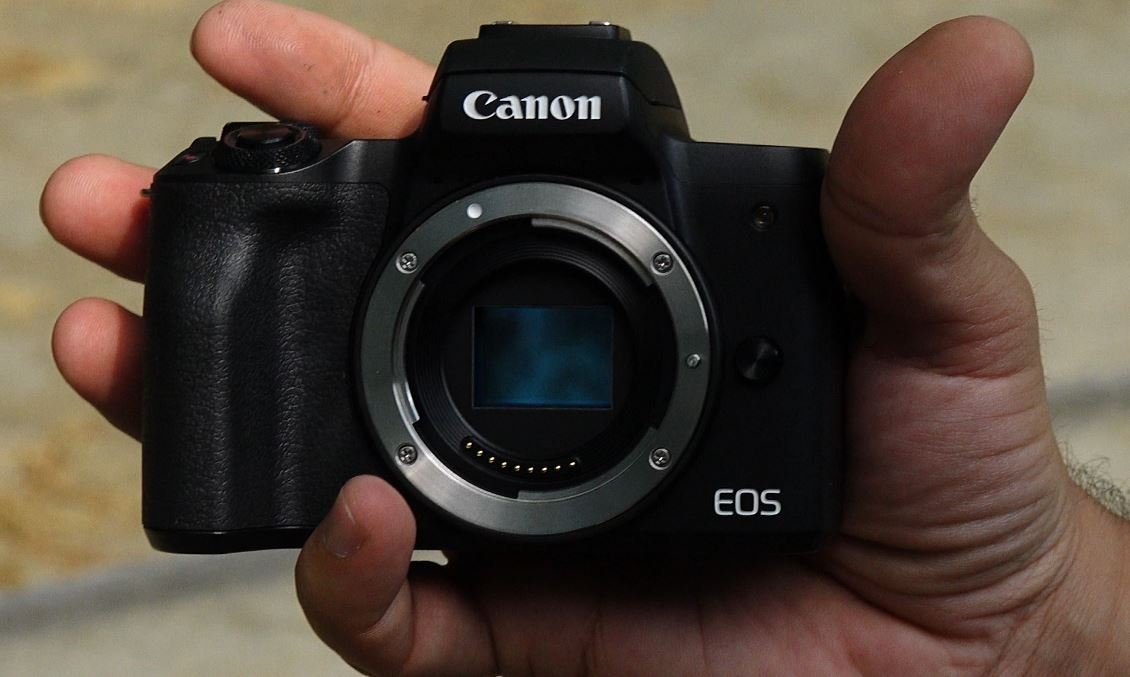 Photo of Canon EOS M50 Review – Camera ideala pentru incepatori si vloggeri!